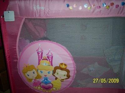 mon lit parapluie princesse disney blog de lena6218. Black Bedroom Furniture Sets. Home Design Ideas