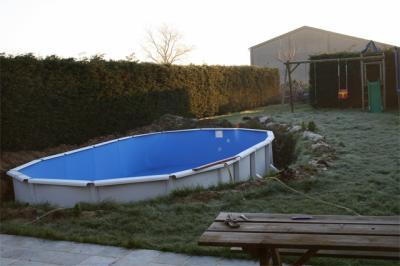 montage de la piscine construction piscine gre. Black Bedroom Furniture Sets. Home Design Ideas