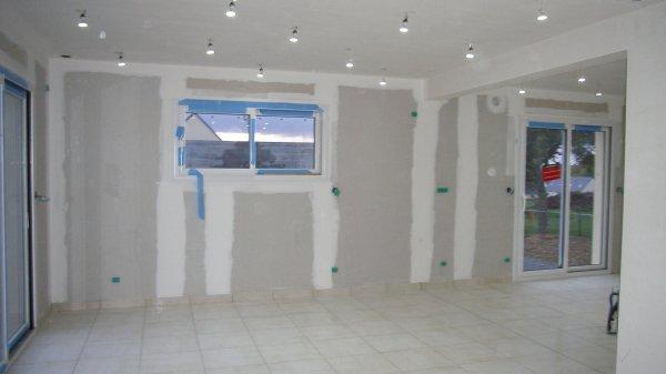 Spot cuisine et salle avec points d 39 allumage diff rents blog de notre construction for Spot dans cuisine