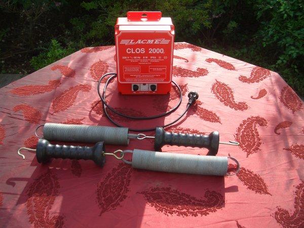Electrificatuer lacme clos 2000 poign es isolantes for Lacme clos 2000