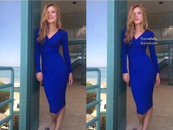 Nouvelles photos twitter de Bella du 18 ao�t 2014. Elle a encore pass� la journ�e � la mer avec sa famille et ses amies.