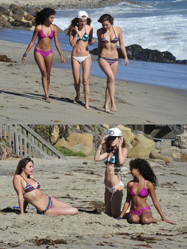 Bella � la plage avec ses amis et sa famille le 18 ao�t 2014.