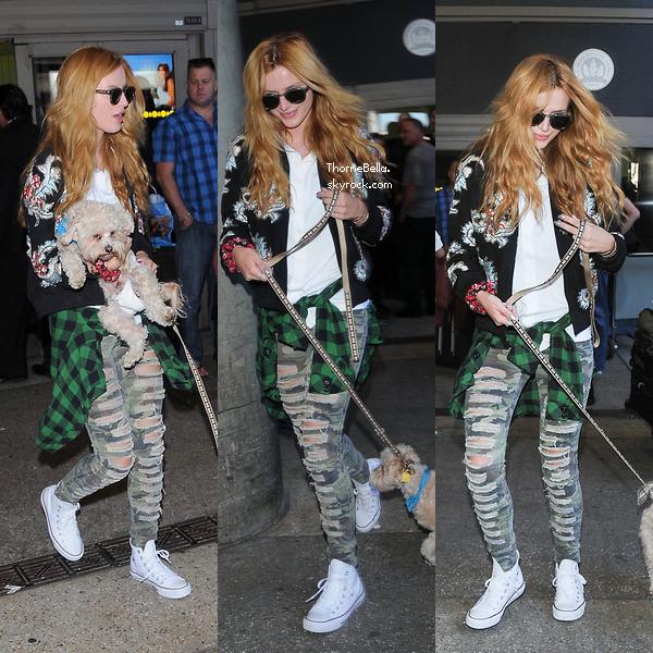 Bella a l'a�roport de LAX le 21 septembre.