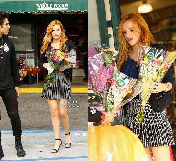 Bella et Castillo allant acheter des fleurs dans Los Angeles le 21 octobre.
