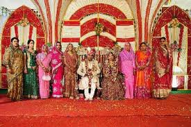 Wedding Gifts For India Couples : Wedding themes in India- Priceless wedding gifts for couples ...