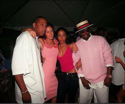 Souvent accompagn e de Jay Z Aaliyah aurait eu une relation avec lui