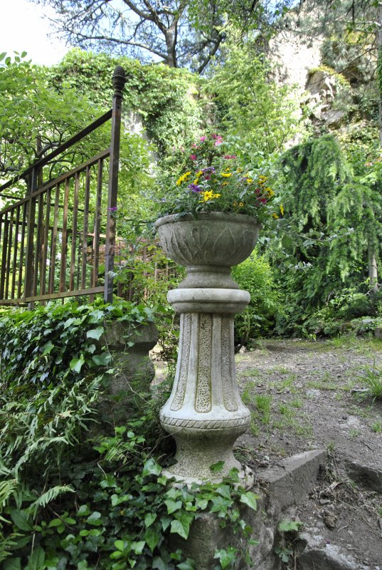 Tournon le jardin d 39 eden la decouverte continue photo for Decoration jardin d eden