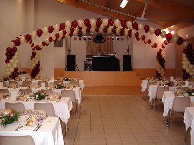 Mariage avec deco ballons mach 3 system - Decoration mariage ballon ...