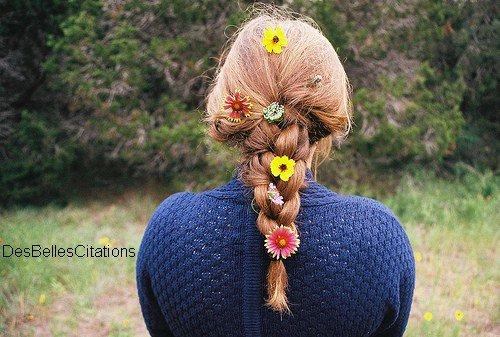 Фото девочек со спины с цветами
