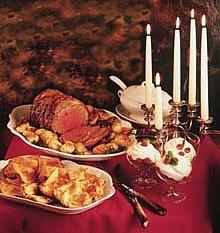 LE R�VEILLON DE NO�L d'autrefois : un repas gras succ�dant � la Messe de minuit (D'apr�s � La nuit de No�l dans tous les pays � paru en 1912)
