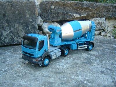 kerax 4x4 tracteur semi toupie beton blog de minicamionsdetp. Black Bedroom Furniture Sets. Home Design Ideas