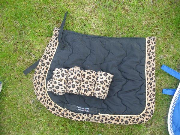 mes nouveaux achats en photos d blog de recherche materiel equin. Black Bedroom Furniture Sets. Home Design Ideas