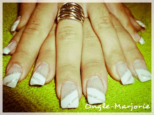 Ongles en gel * French white and silvery glitter *