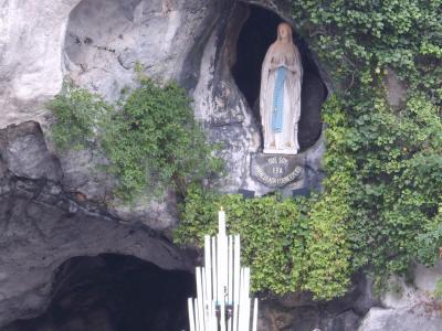 Voyage a lourdes pour remercier la sainte vierge marie for Statue vierge marie pour exterieur