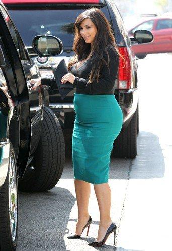 Look Kim Kardashian Ses Plus Beau Look De Femme Enceinte Partie 3 Beauty Bird