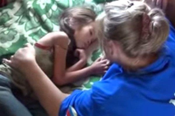 11 jours dans la for�t sib�rienne  Karina, 4 ans, sauv�e par son chiot