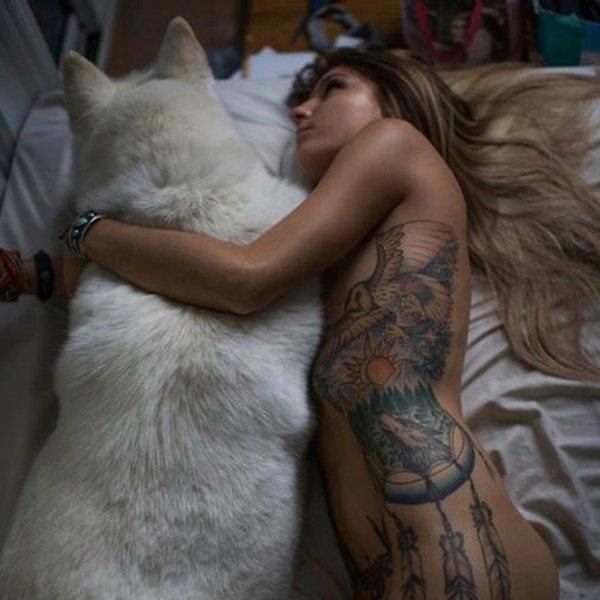 �Les animaux sont principalement et essentiellement la m�me chose que nous.� �Puissent tous les �tres vivants rester exempts de douleurs !�  � Une compassion sans bornes qui nous unit avec tous les �tres vivants, voil� le plus solide, le plus s�r garant de la moralit�. �
