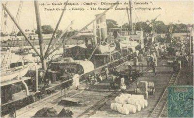 histoire coloniale transport par mer la compagnie fraissinet existait en 1890 le bateau. Black Bedroom Furniture Sets. Home Design Ideas