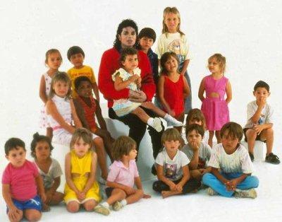 Michael et les enfants du monde 2523032727_small_1