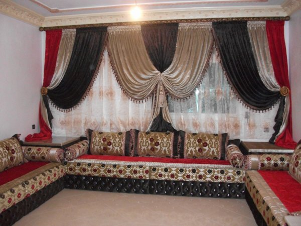 blog de salons marocains salons marocains 2013 2014 salon marocain moderne tapissier rideaux. Black Bedroom Furniture Sets. Home Design Ideas