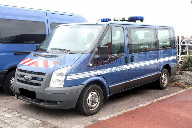 ford focus transit gendarmerie nationale rouen 76 le havre photos production. Black Bedroom Furniture Sets. Home Design Ideas