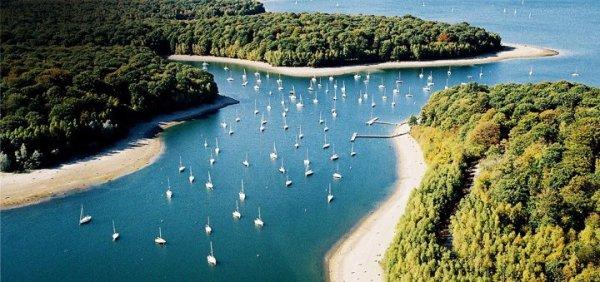 Lac de l 39 eau d 39 heure belgique la voile une vrai for Meuble de l eau d heure