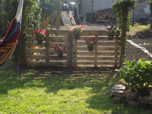 cl ture de mon jardin avec des palettes blog de mikamosaic. Black Bedroom Furniture Sets. Home Design Ideas