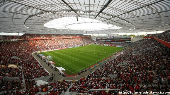 bayarena le stade du bayer leverkusen a t r nov 1 2. Black Bedroom Furniture Sets. Home Design Ideas