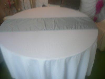 Nappes avec chemin de table gris perle d coration photo location pour - Chemin de table gris perle ...