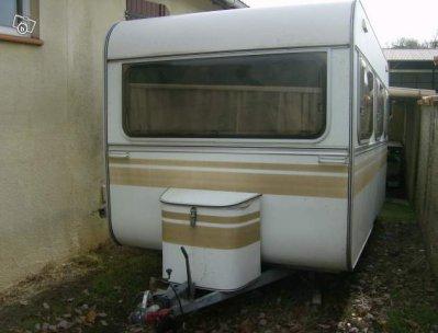 la royale de 1980 une tr s belle caravane caravane ode la caravane. Black Bedroom Furniture Sets. Home Design Ideas