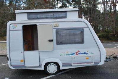 un mod le de r ve compact et l gant tamaris de fleurette caravane ode la caravane. Black Bedroom Furniture Sets. Home Design Ideas