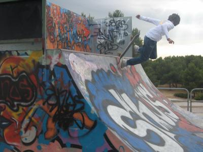 alex dans la rampe du skate park de venelles spirit air show. Black Bedroom Furniture Sets. Home Design Ideas