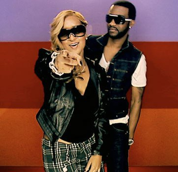 Clip chaise electrique fally ipupa feat olivia two for three connection presente les - Chaise electrique fally ipupa ...