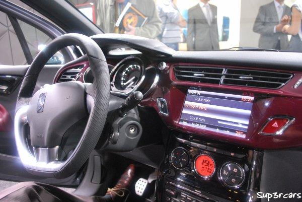 Citro n ds3 blog automobile cr par mes soins j 39 expose for Interieur ds3