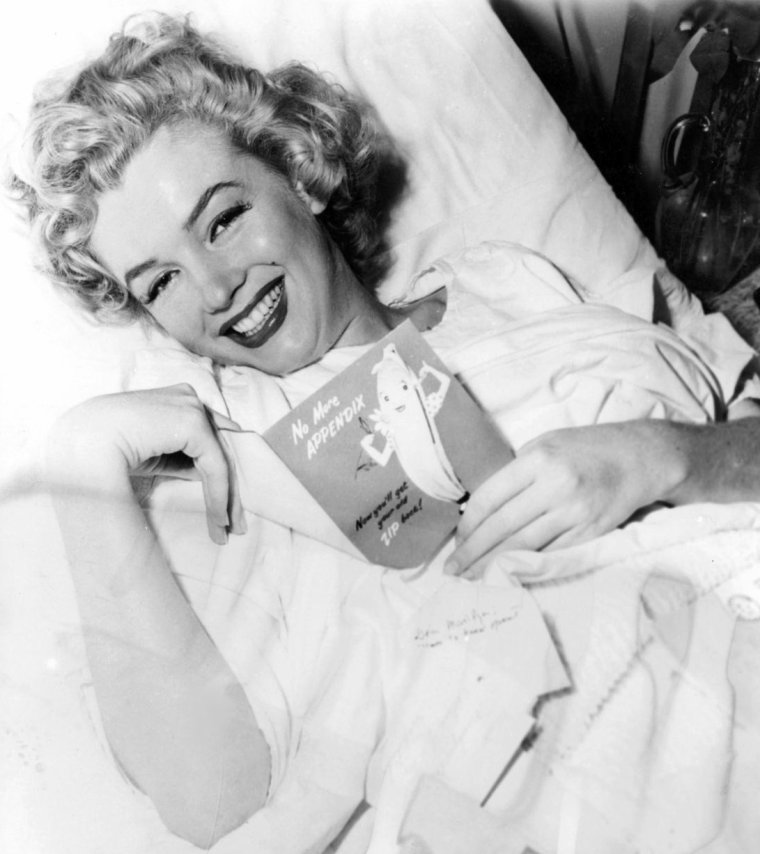 articles de legend marilyn monroe tagg s 1952 page 4 legend marilyn monroe. Black Bedroom Furniture Sets. Home Design Ideas
