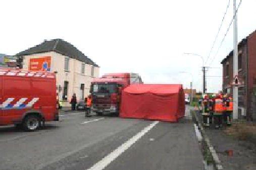 26 10 2012 tertre un accident mortel s 39 est produit ce matin tertre entre un tracteur et un. Black Bedroom Furniture Sets. Home Design Ideas