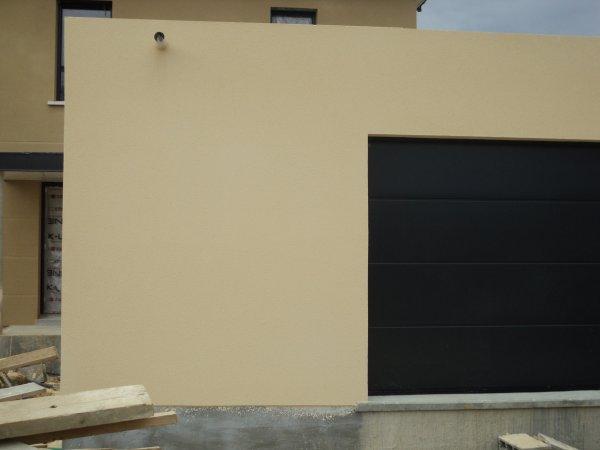 evacuation d 39 eau sur le toit plat du garage maison bieville 14112. Black Bedroom Furniture Sets. Home Design Ideas