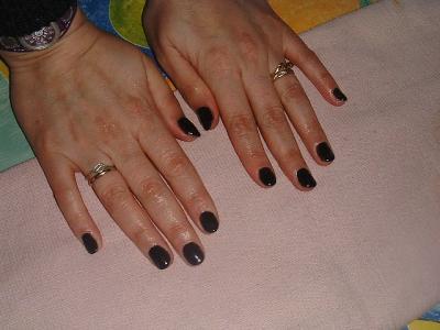 Ongles gothique simples un pur moment de bonheur les ongles en gel - Vernis a ongle noir ...