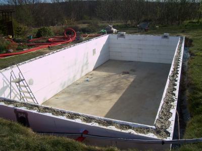 Gros oeuvre termin 2 construction de ma piscine for Ceinture beton piscine