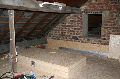 21 1 2012 coffre escalier grenier pa d 39 ze to par. Black Bedroom Furniture Sets. Home Design Ideas