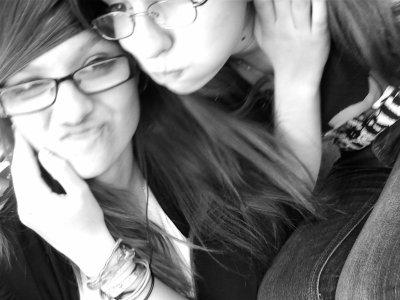 Meilleure amie , mon amour , ma vie .