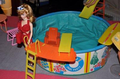 piscine barbie vintage 1984 franydolls. Black Bedroom Furniture Sets. Home Design Ideas