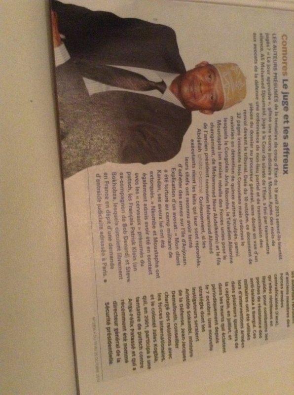 Comores Le juge et les affreux (article de Jeune Afrique No 2806 du 19 au 25 octobre 2014)