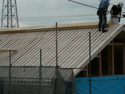 toiture nord contreplaqu pare pluie lattage pour passage lame d 39 air evacu e au faitage. Black Bedroom Furniture Sets. Home Design Ideas