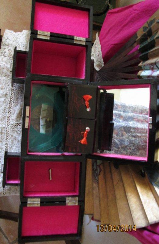 Coiffeuse boite a bijoux miroirs musique tiroirs bois for Miroir de la musique