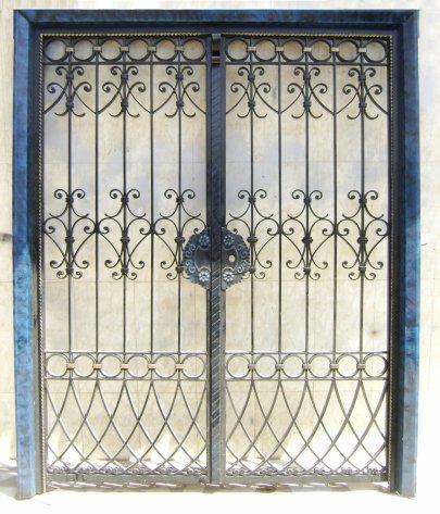Portail fer forg 93 harmonie de fer forg tunisien for Fenetre en fer forge tunisie