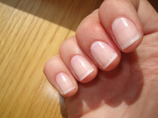 mini french manicure nail art sur ongles naturels. Black Bedroom Furniture Sets. Home Design Ideas