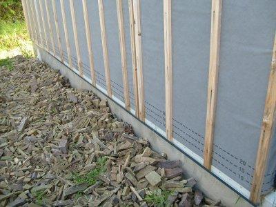 D but de mise en place des grilles anti rongeur pour la pose du bardage maison bois doudou - Grille anti rongeur pour bardage ...