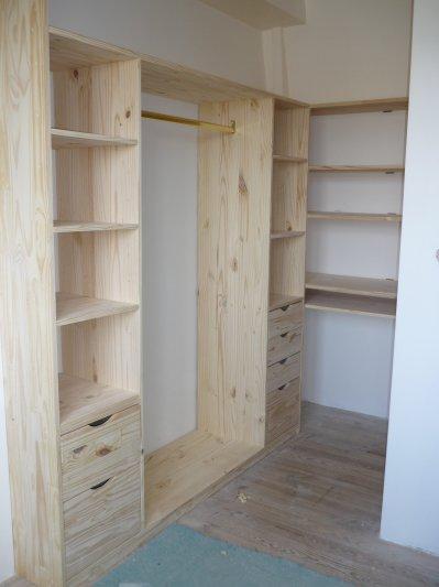 fabrication d 39 un dressing multiservices bois. Black Bedroom Furniture Sets. Home Design Ideas