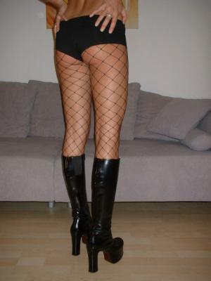 femmes nues jambes écartées francaise mature salope